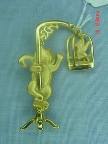 J.J. Jonette Jewelry Gold Cat & Bird Pin