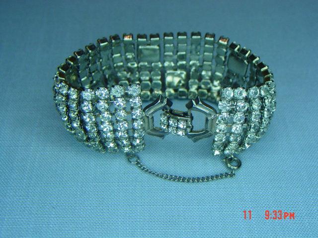 BRIGHT Weiss 7 Row Clear Rhinestone Bracelet