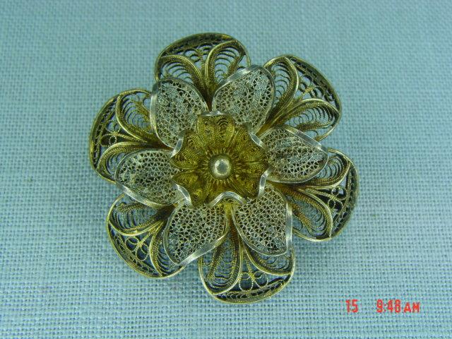 800 Silver Gold Wash Vermeil Filigree Flower Brooch
