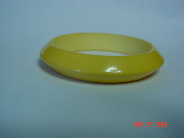 Vintage Yellow Bakelite Bangle Bracelet