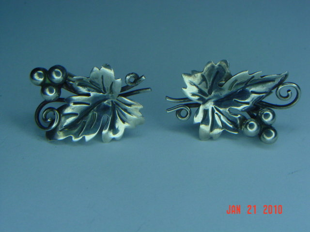 Vintage Mexico Sterling Silver Grape Cluster Brooch & Screwback Earrings