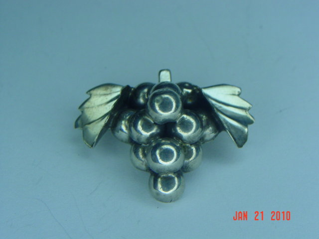 Vintage Mexico Sterling Silver Grape Cluster Brooch & Screwback Earrings