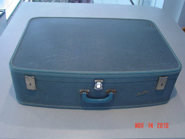 Vintage Large Blue Tweed Travel-Smart Suitcase