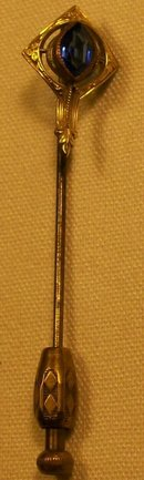 Art Nouveau Stick Pin with Patterned Nib