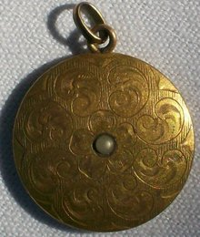 Victorian Gold Pendant with Seed Pearl