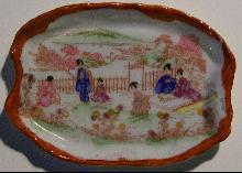 Geisha Girl Pin Tray: Picnic