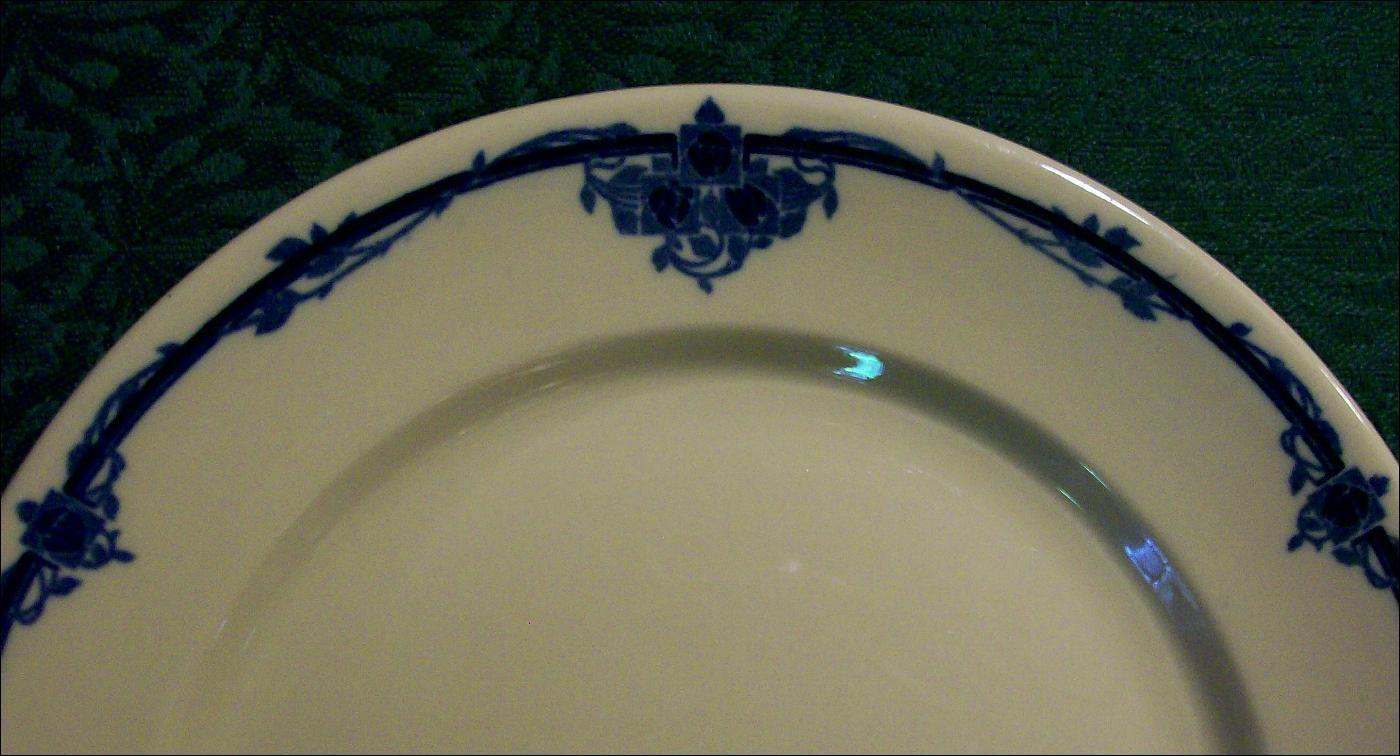 Scammell's Trenton Lenape Ceramic Restaurant Plate #394 Tan/Cobalt Deco