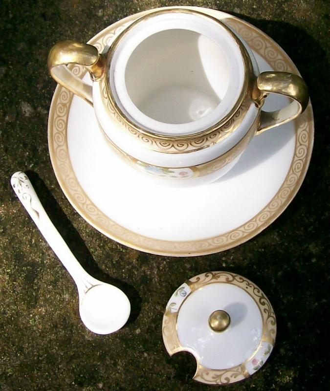 Noritake Nippon Mustard with Attached Undertray