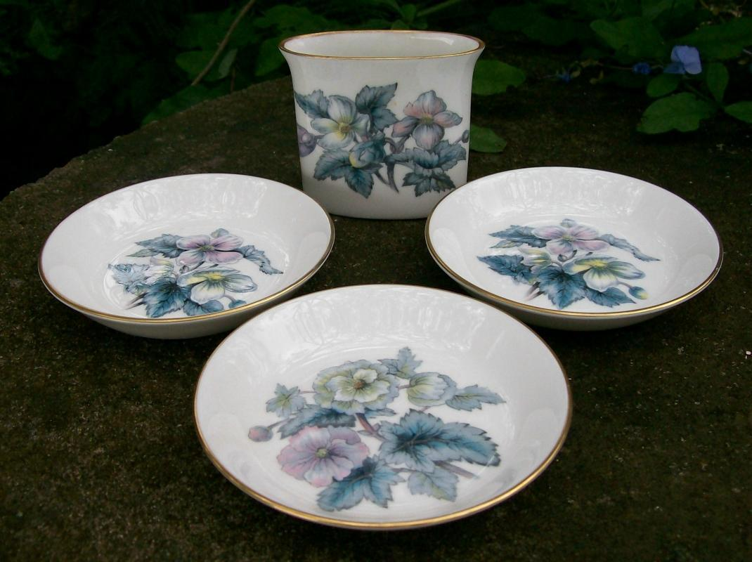 Royal Worcester Woodland Ceramic Smoke Set Blue Floral 4 Pc 1958-71 Z2710