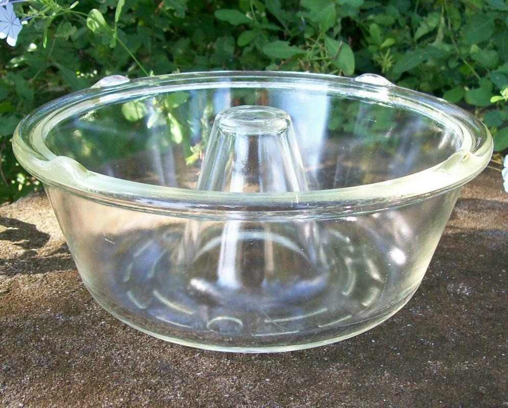 McKee Glasbake Angel Food Cake Pan 1930s-50s