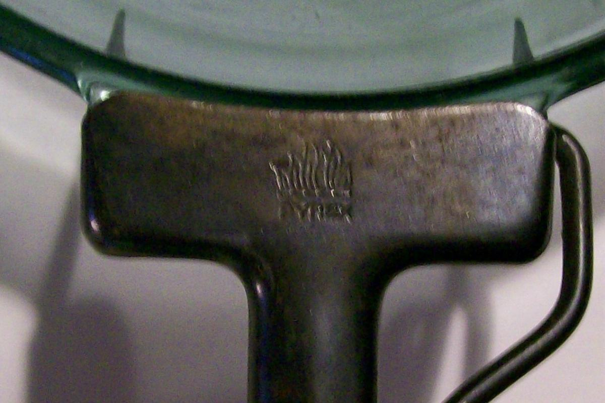 Pyrex Flameware Skillet with Detachable Handle