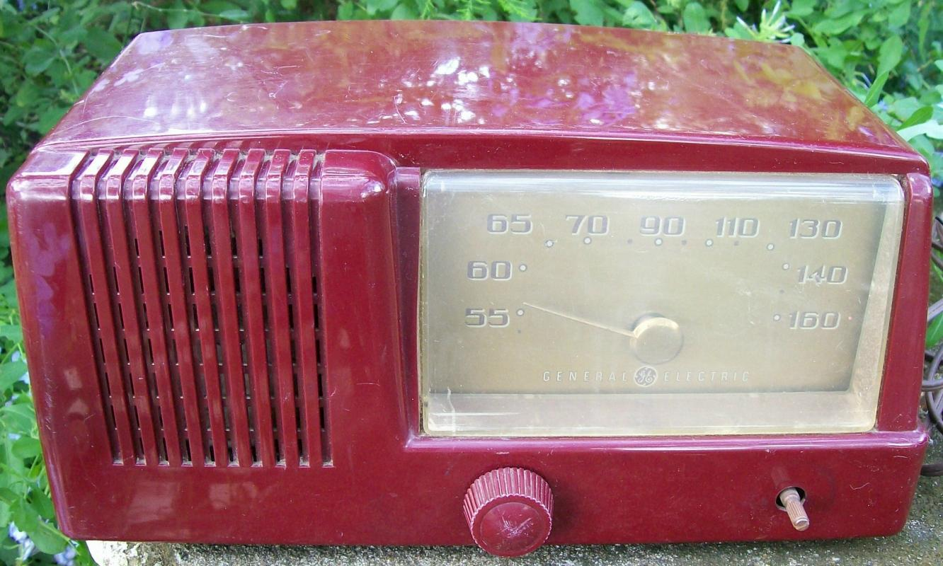 General Electric Radio: #411 Ca. 1950