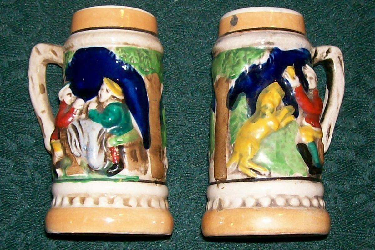 Figural Beer Stein Ceramic Salt & Pepper Shakers 1950's Japan
