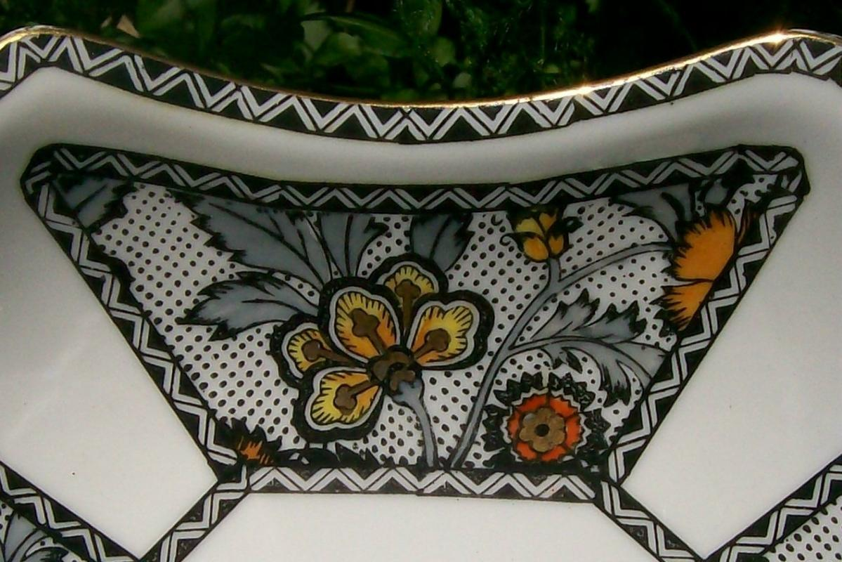 Noritake Art Deco Bowl Two-handled Black Dots/Zigzags Stylized Flowers 1930s 6.75
