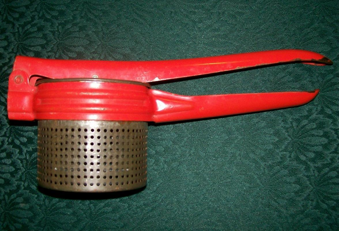 Kitchen Ricer with Red Handle: Handy Things