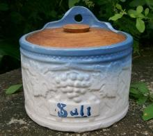Brush-McCoy Stoneware Grapeware Salt Box with Wooden Lid Blue & White