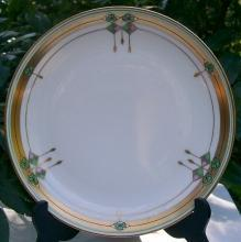 Pickard Ceramic Plate: Shamrocks/Diamonds/Pendants