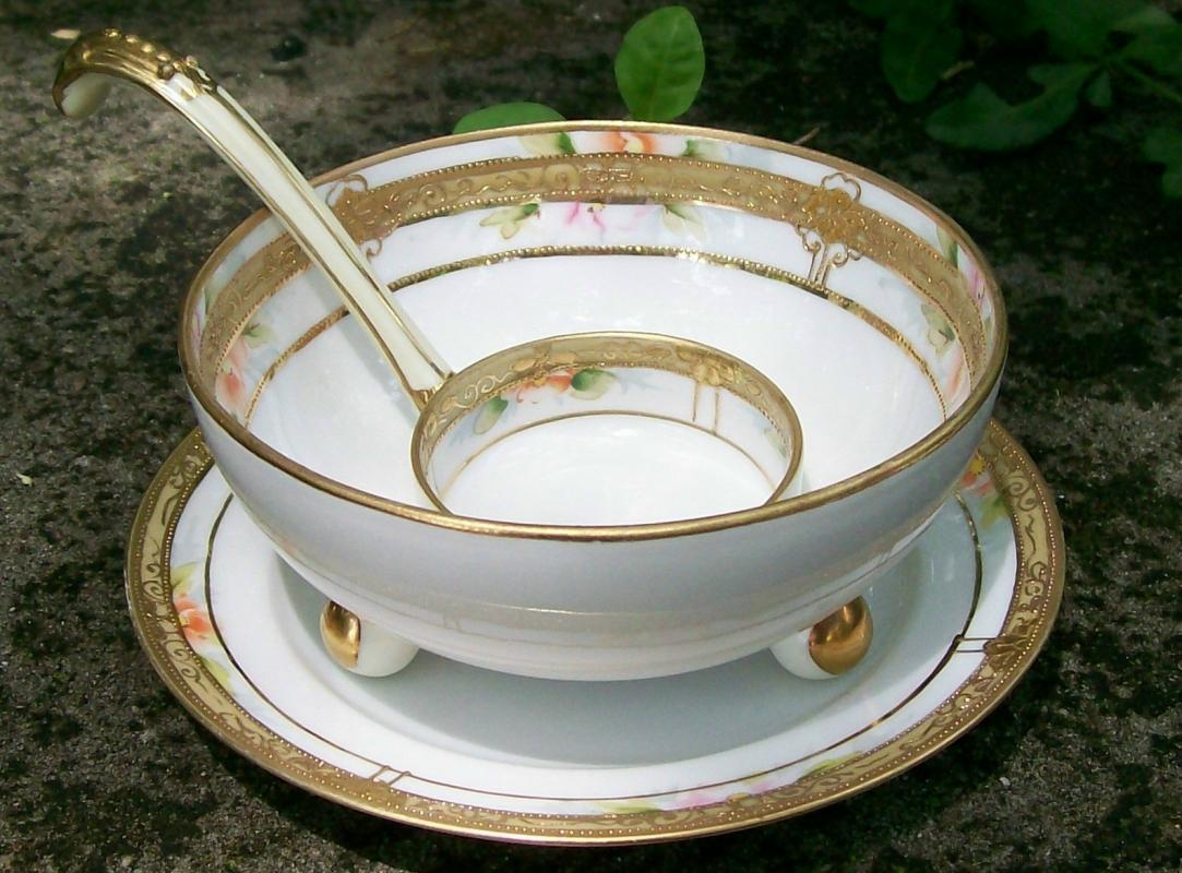 Noritake Nippon Porcelain Gold-Encrusted Whipped Cream Bowl Set 3-Piece