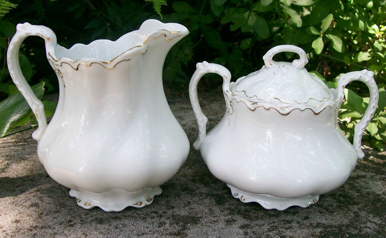 Johnson Brothers White & Gold Ceramic Cream & Sugar Set J6209 Ca. 1907