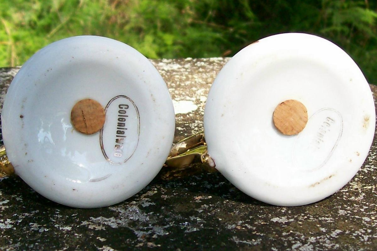 Florida Souvenir Ceramic Salt & Pepper Shakers Colonialware Flaming Candlesticks