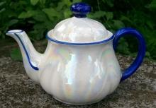 Czechoslovakian Teapot: Soap Bubble Luster/ Cobalt Trim