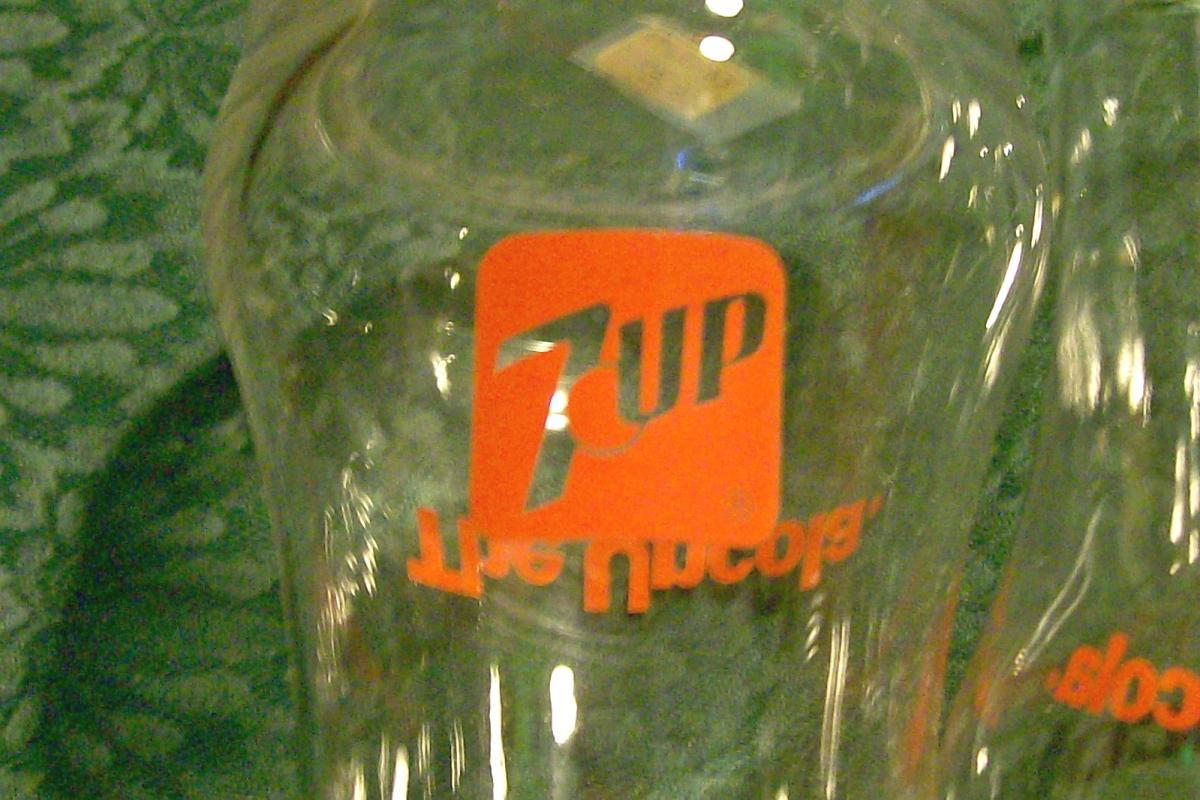 7-Up Advertising Glass Tumbler Set of 3 Ca. 1970's