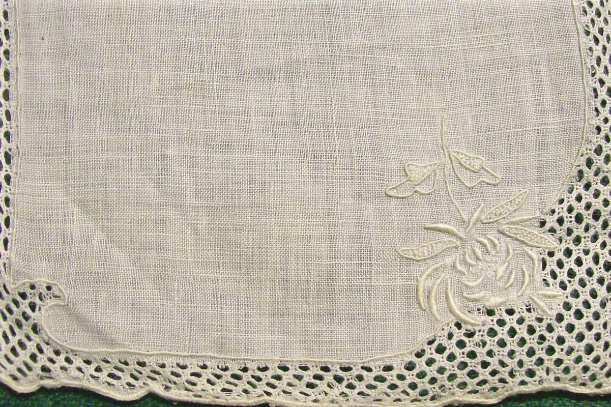 Linen & Lace Embroidered Cocktail Napkin Set/8 Cream on Cream Early 1900s