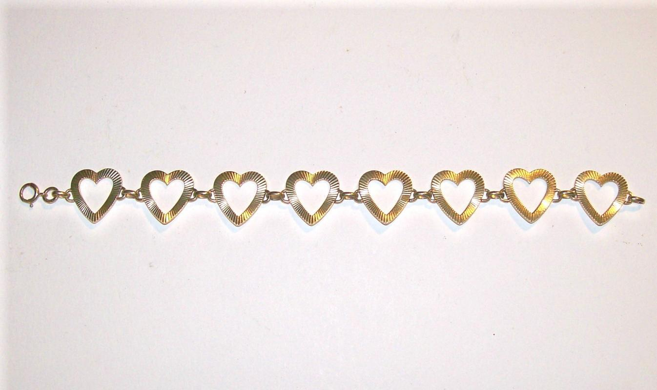 14K Gold Bracelet String of Open Hearts 11g
