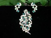 Coro Brooch/Pin & Earrings Set Stylized Leaf w/ Green Rhinetones/ Goldtone Setting