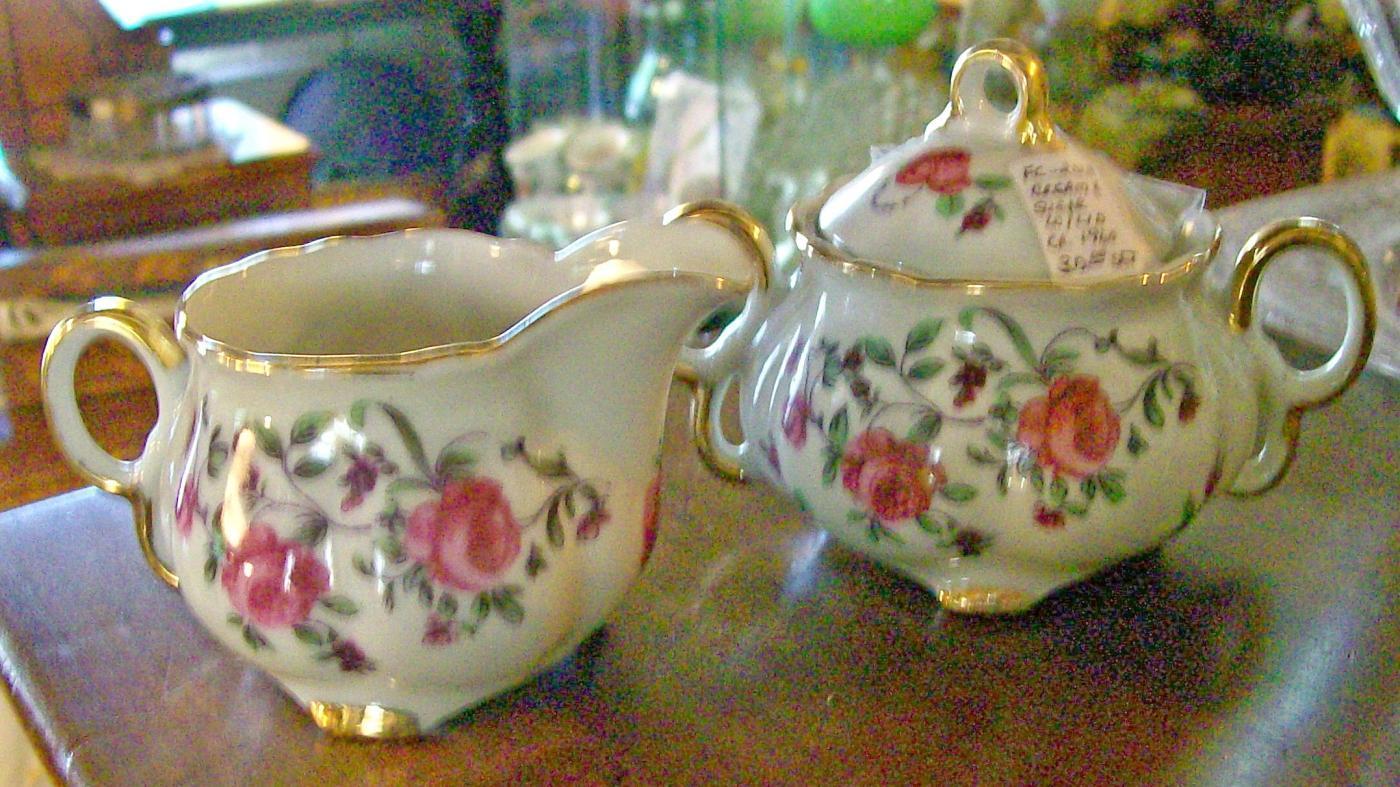 Red Rose Fancy Ceramic Cream & Sugar Set Ca. 1950s