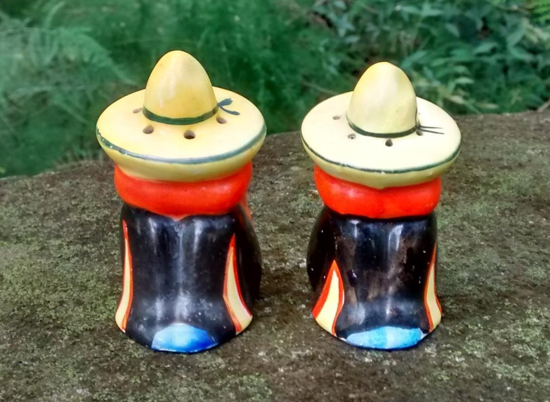 Mexican in Sombrero Siesta Salt & Pepper Shakers Ca. 1950s Japan Ceramic