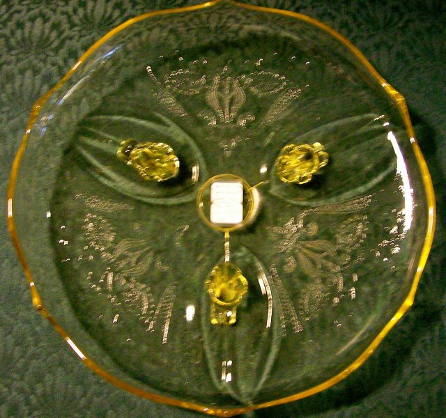 Lancaster Landrum Footed Cake Plate Topaz Yellow 10.25