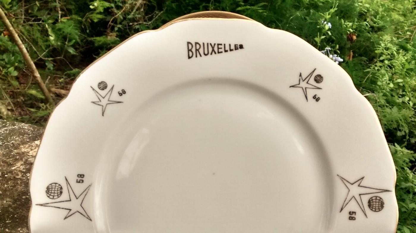 EXPO 58 Brussels Belgium Ceramic Souvenir Plate Czech
