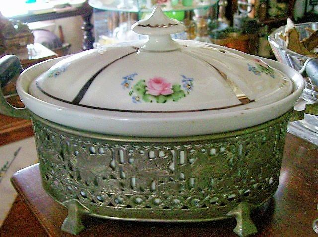 Syracuse/Royal Rochester Ceramic Restaurant Covered Casserole with Holder