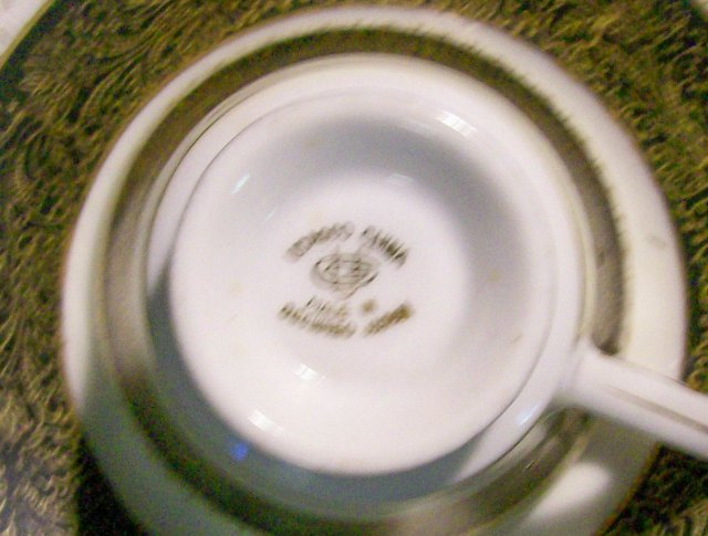 UCAGCO Occupied Japan Ceramic Footed Demitasse Cup & Saucer Set of 5 Black & Gold UCA53
