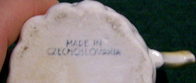 Czechoslovakia Figural Grape Cluster Ceramic Cream Pitcher 1930's 3.75