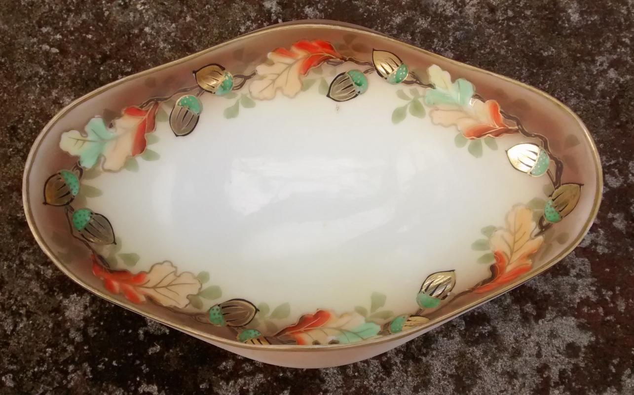 Noritake Nippon Handpainted Folded Bowl Acorns & Oak Leaves