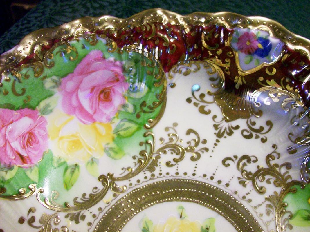 Royal Kinran Nippon Bowl Roses & Gold 11.5