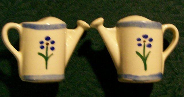 Shawnee Pottery Watering Can Salt & Pepper Shakers Ca. 1940 Blue Trim
