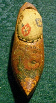 Wooden Shoe Pin Cushion Early 1900's Holland/Netherlands Souvenir