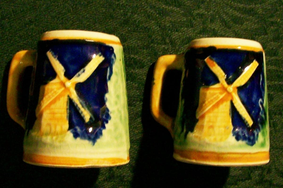 Windmill Stein S&P Shakers 1930s-40s Japan