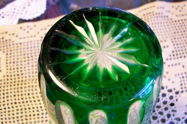 Bohemian-style Cut Glass Vase: Emerald Green Cut To Clear