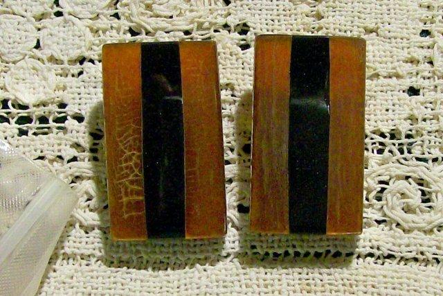 1950s Bakelite Earrings Rootbeer & Black Rectangle Clip-On