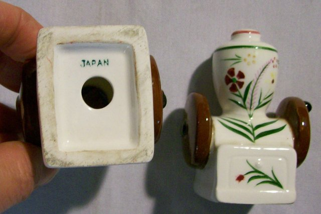 Figural Salt & Pepper Shakers: Coffee Grinders 1950's