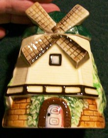 Figural Windmill Sugar/Honey/Jam Pot 1930's Japan Ceramic 4.25