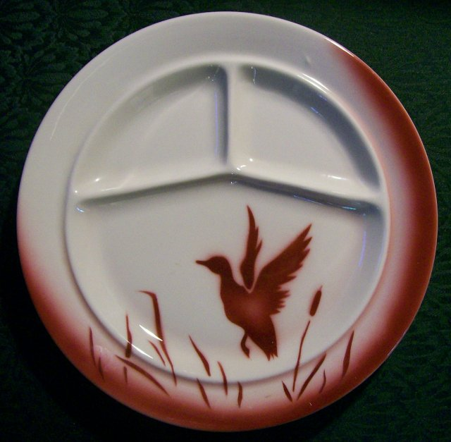 Jackson China Grill Plate Airbrushed Duck/Cattails Restaurant 1946-51 Burgundy Red