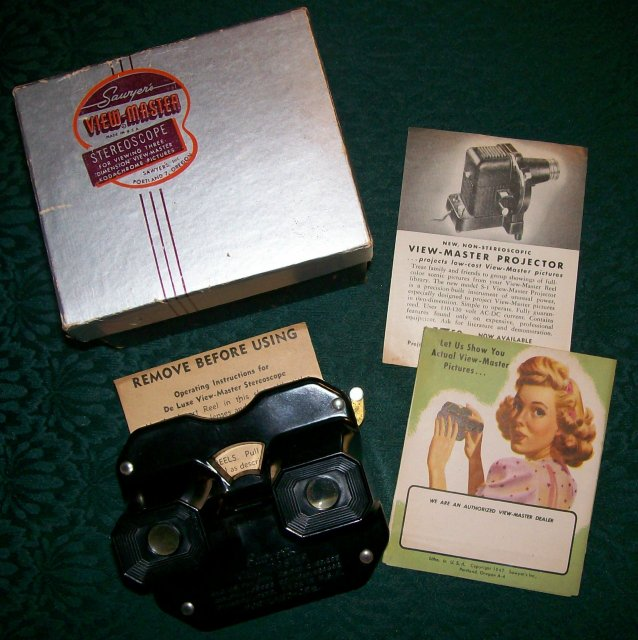 1940s Sawyer Deluxe Viewmaster Viewer in Box w/Extras Black Bakelite