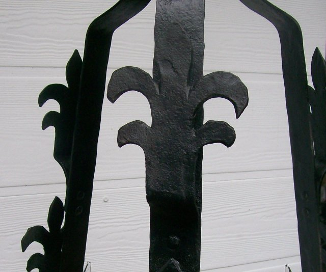 Hand Wrought Iron Chandelier with Fleur-de-lis Decoration
