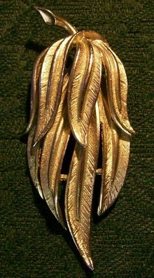 Coro Brooch/Pin:  Silvertone Leaf Bunch