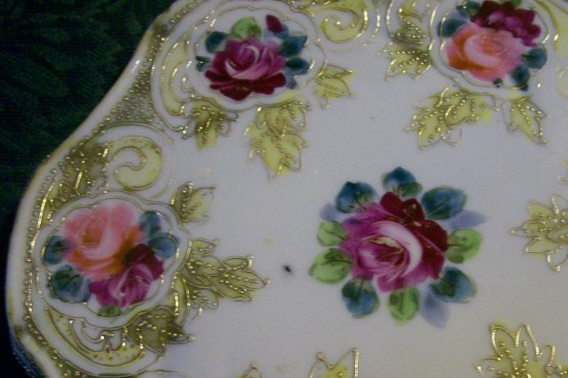 Noritake/Maple Leaf Nippon Ceramic Trivet/Tea Tile Roses & Gold